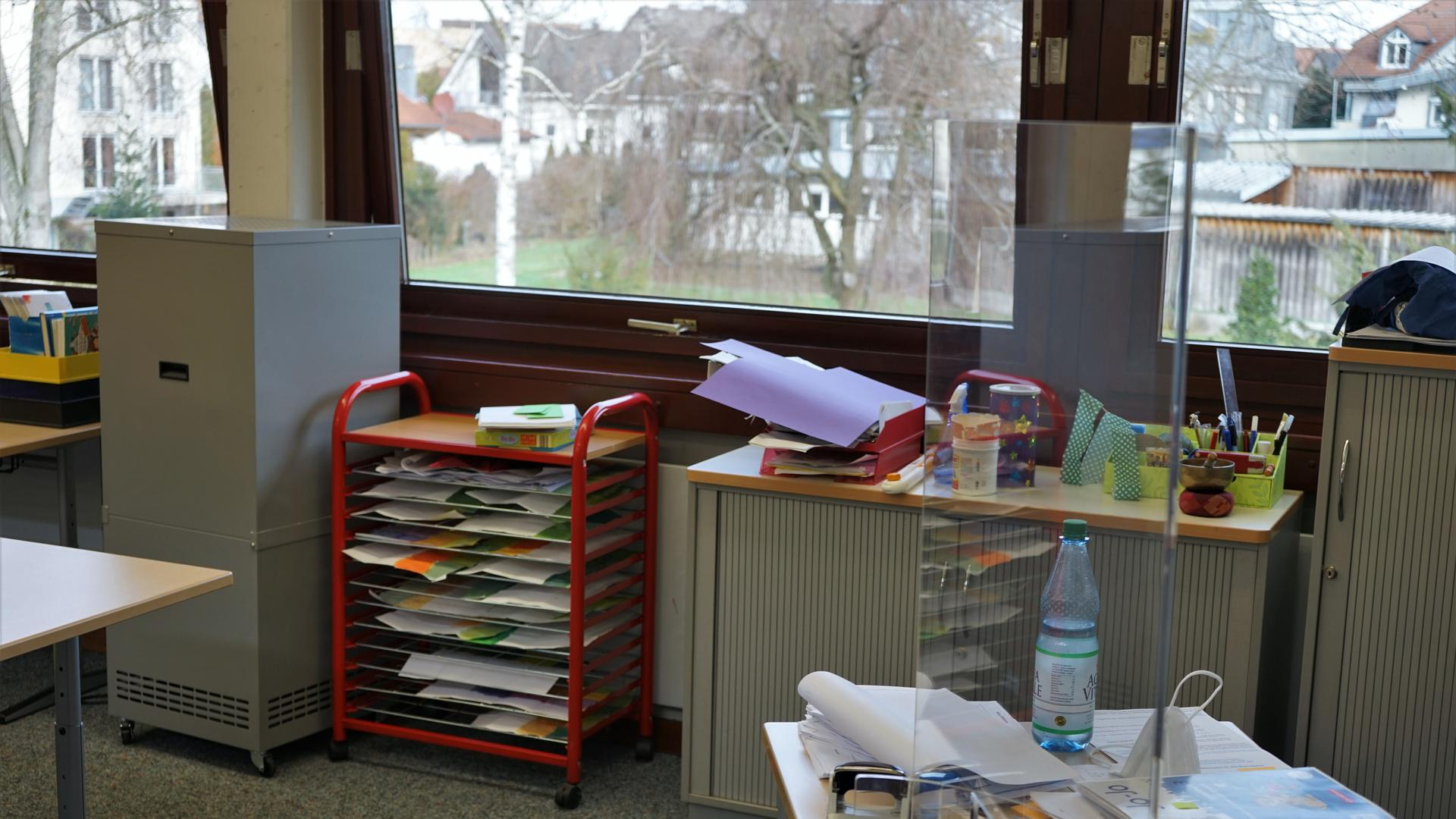 Luftfilter im Einsatz in der Bischweirer Grundschule.