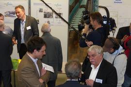Intensive Gespräche und anhaltendes Medieninteresse: Die sechste Info-Veranstaltung von Landkreis und Stadt Baden-Baden war wieder gut besucht.