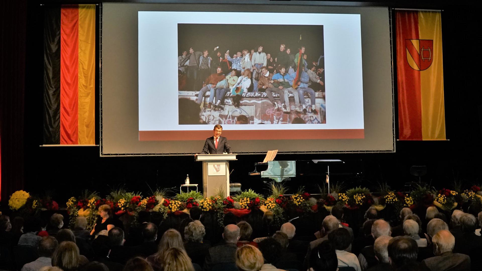 Blick zurück: Bei der Matinee in der Badner Halle richtete Festredner Christoph von Marschall seinen Blick auf die zahlreichen Herausforderungen, die sich durch rasante Veränderungen ergeben.