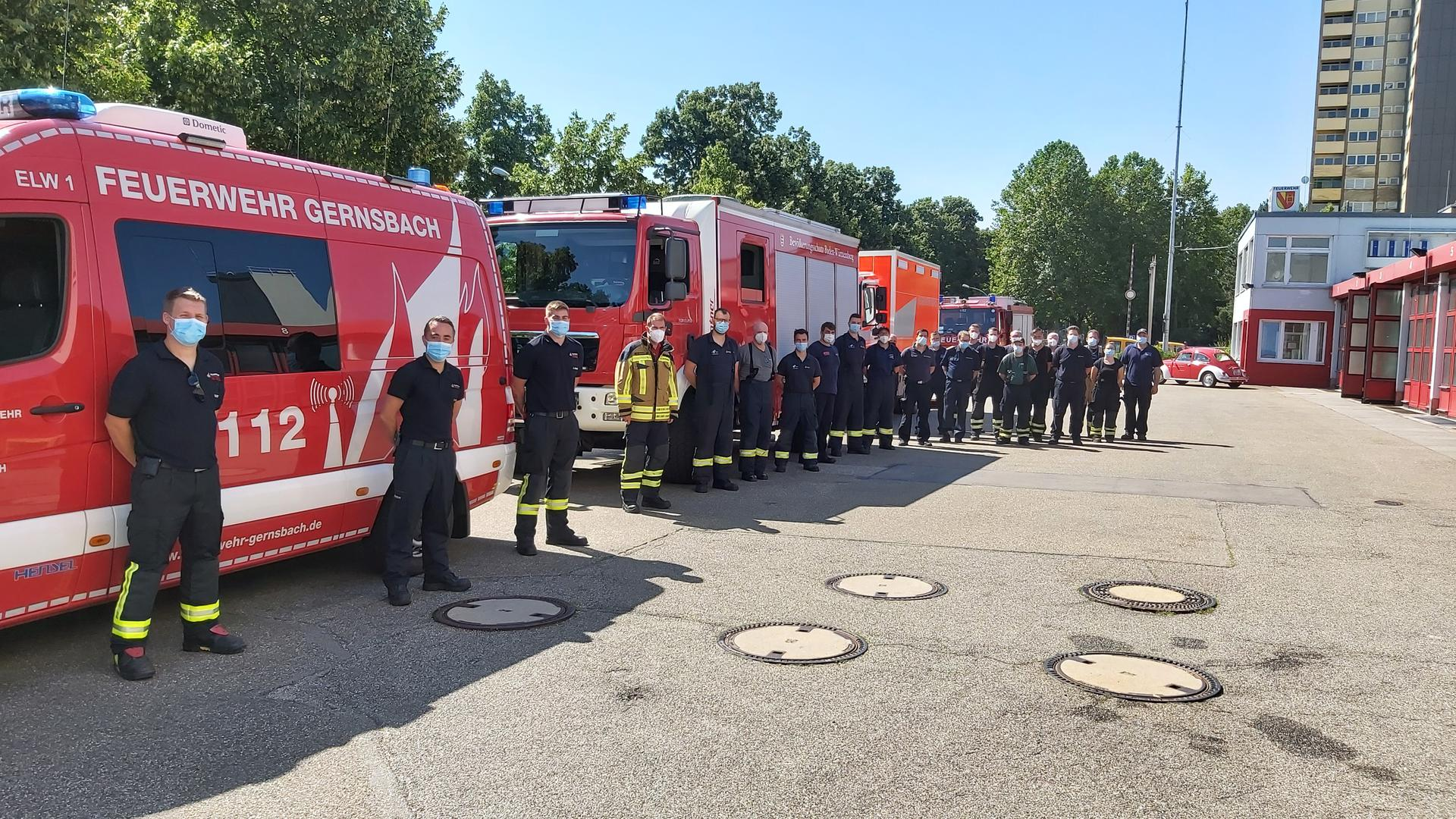 Ein Hochwasserzug aus dem Landkreis Rastatt mit 21 Einsatzkräften startet in Richtung Rheinland-Pfalz.