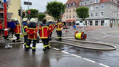 Feuerwehr, Schläuche, Straße