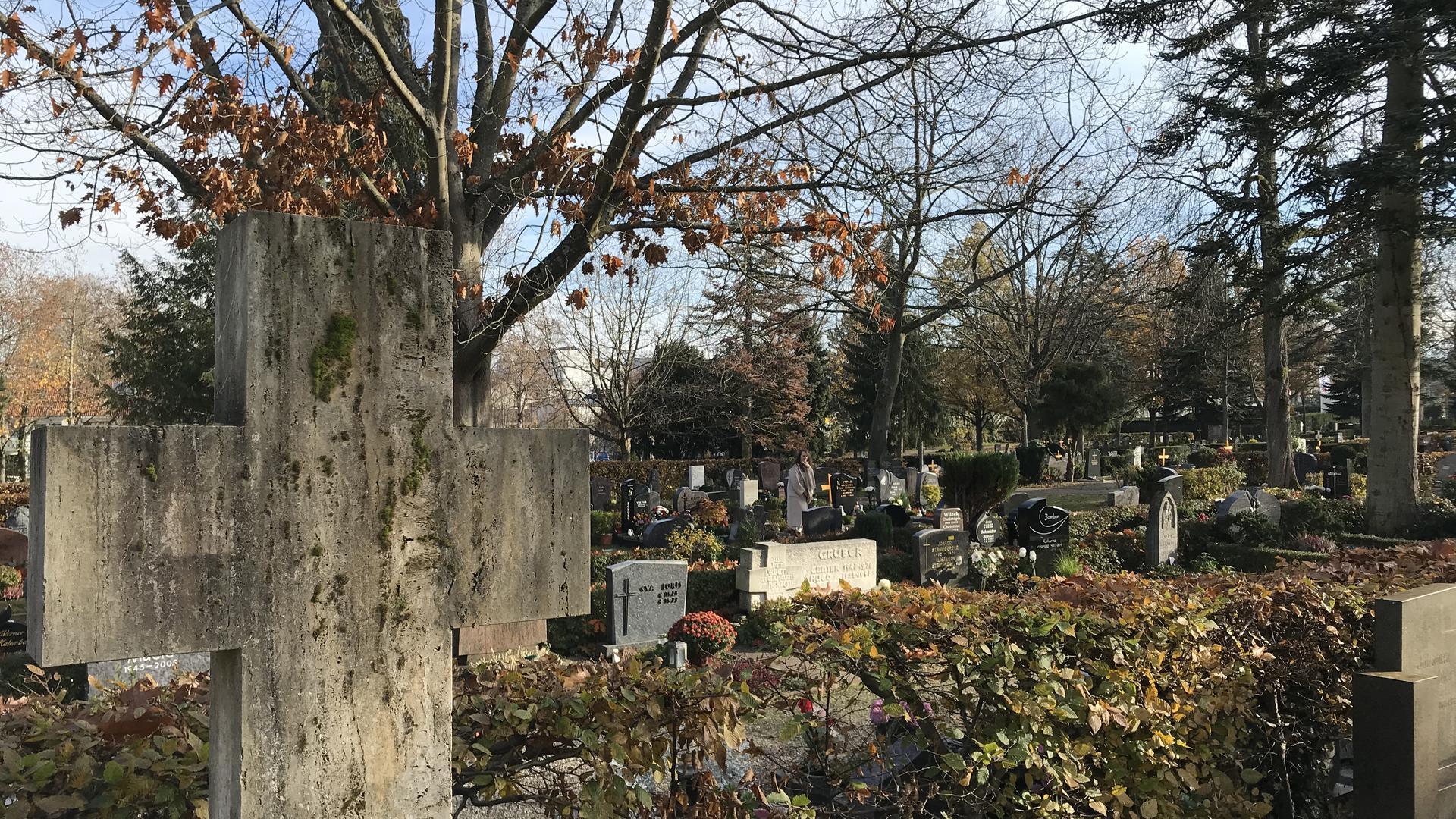 Kreuz auf dem Stadtfriedhof Rastatt