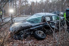 Totalschaden: Beide Fahrzeuge mussten abgeschleppt werden.