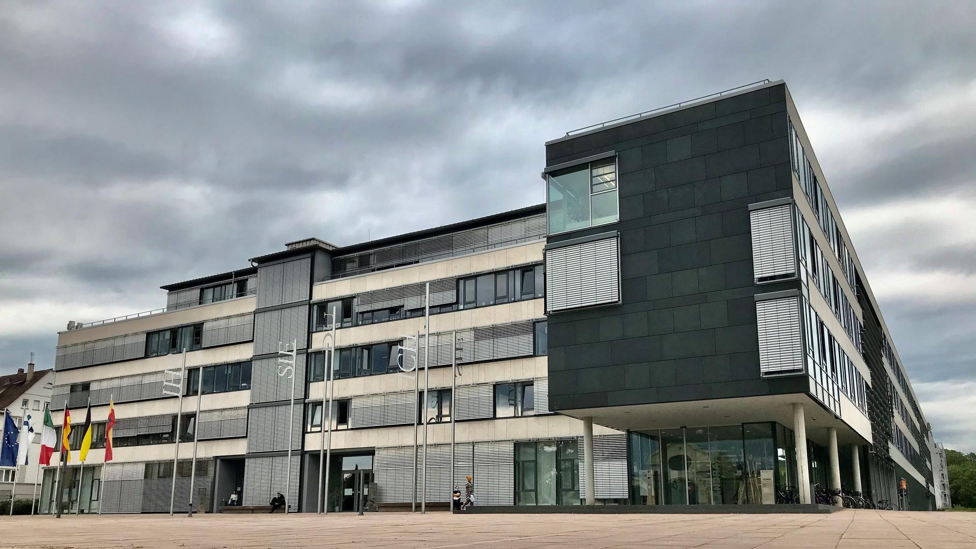 Blick auf das Landratsamt in Rastatt.