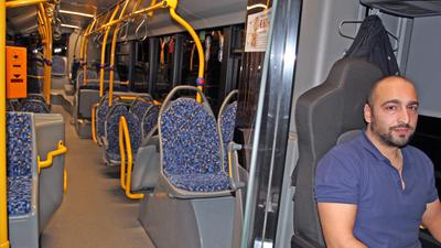 Im leeren Linienbus: Busfahrer Ruslan Abasov.
