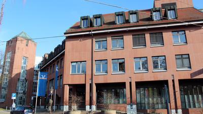 Aufbruchstimmung in Zeiten des Umbruchs: Die Volksbank Baden-Baden/Rastatt, hier die Hauptgeschäftsstelle in Rastatt, strebt die Fusion mit der Volksbank Karlsruhe an.