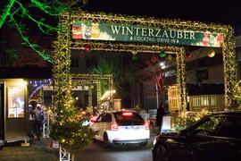 Ein Drive-In-Weihnachtsmarkt.