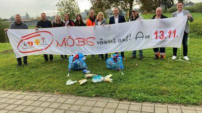 Leute, Müll, Banner