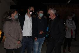 Kurz nach der Ergebnisverkündung: Robert Wein (rechts) sucht das Gespräch mit Dominik Kraus und dessen Ehefrau Caroline.