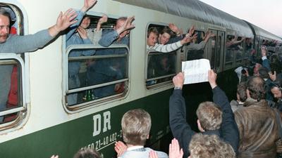 Nach dem Mauerfall kamen viele DDR-Bürger in den Westen, manche nur kurz, andere für immer. Einen ersten sicheren Hafen nach einer oftmals überstürzten Ausreise fanden rund 2500 Übersiedler in Rastatt.