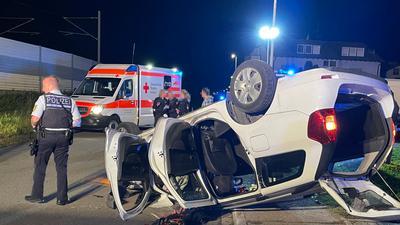 Bei dem Unfall am Dienstagabend in Durmersheim sind zwei Menschen verletzt worden.