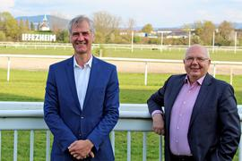 """Die """"Motoren"""" von Baden Galopp: Stephan Buchner und Peter Gaul (von links) wollen dem Publikum """"Rennsport auf hohem Niveau"""" bieten."""