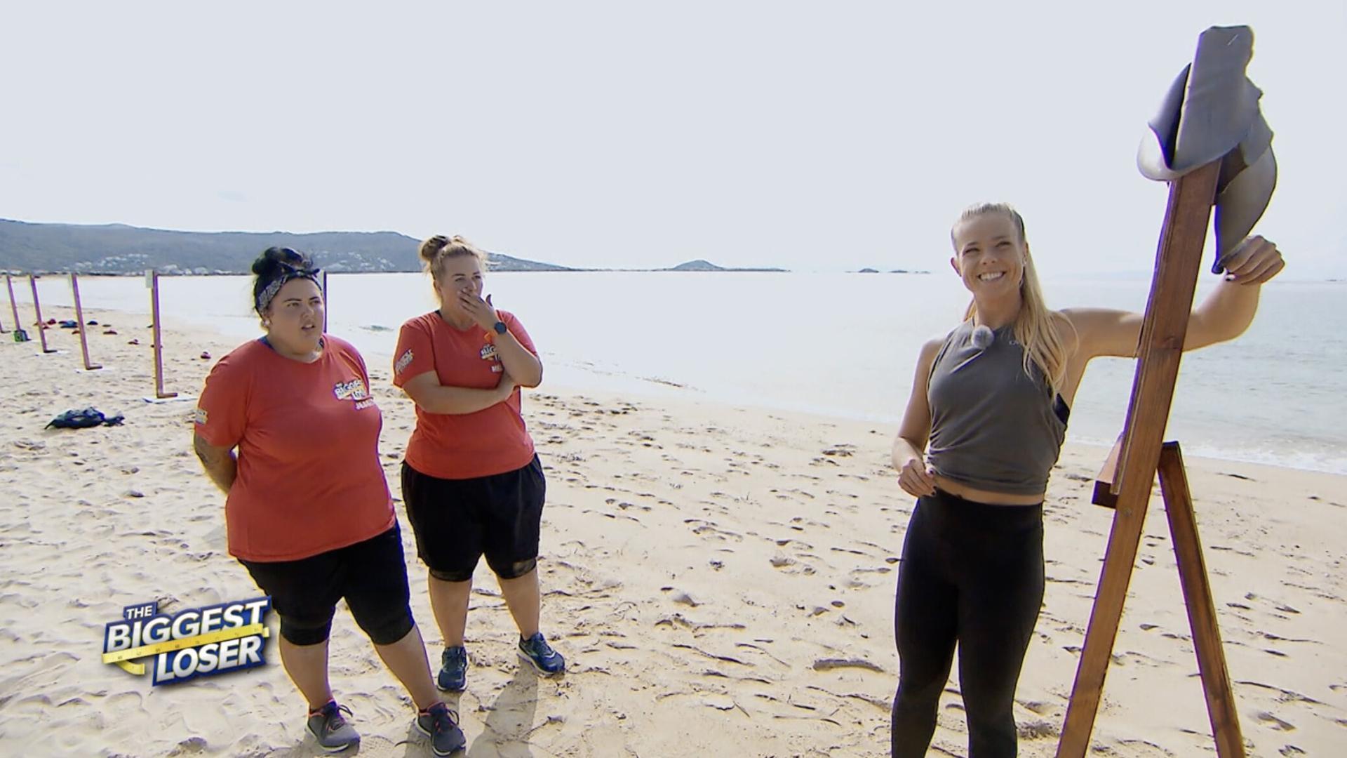 Jessica  Zellagui  (links)  und ihre Partnerin Melissa  dürfen  weiter mit Fitness-Expertin Petra Arvela zusammenarbeiten.