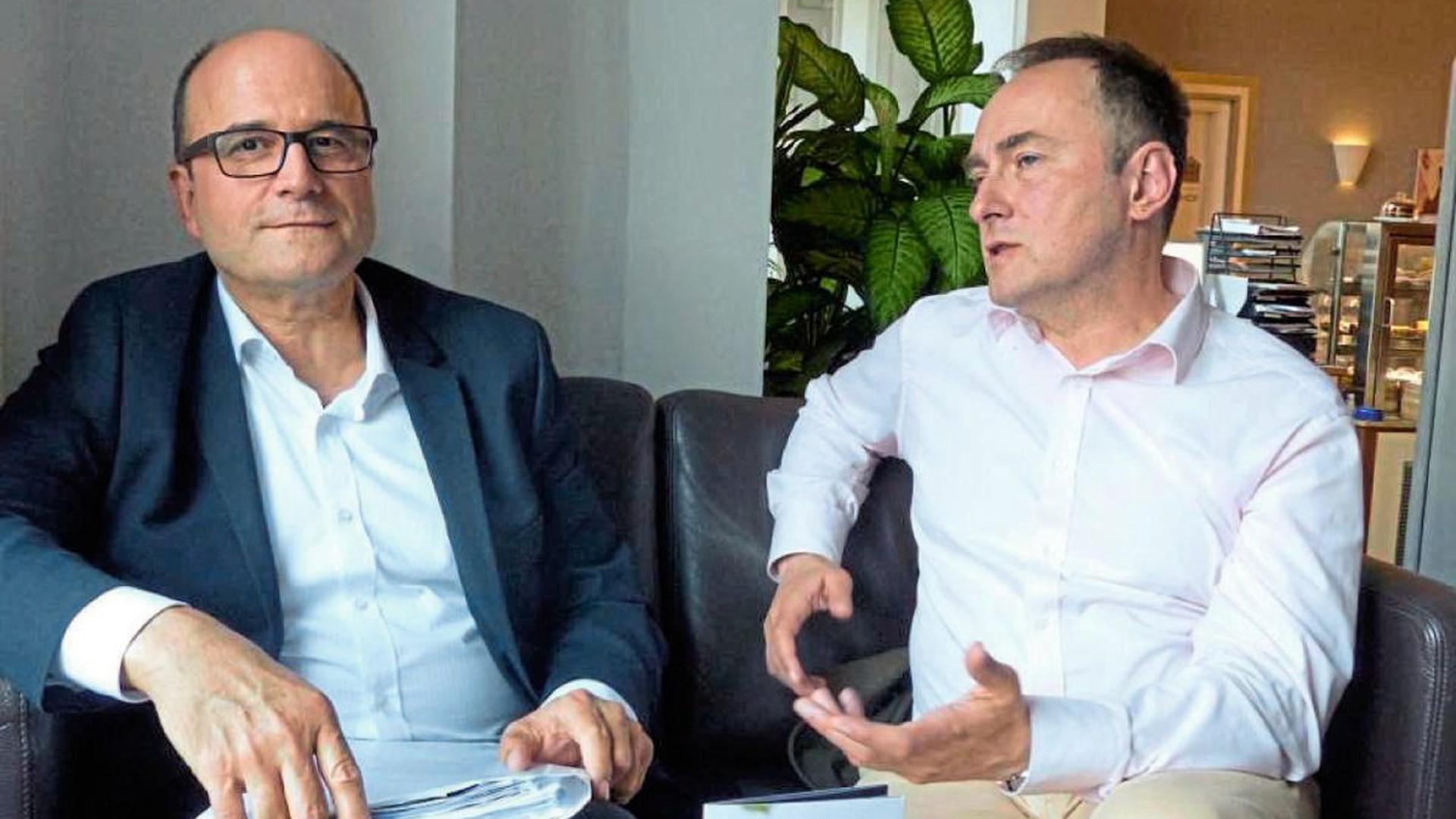 """Andreas Adam und Ulrich Schumann von der Bürgerinitiative """"Sauberes Trinkwasser für Kuppenheim"""" sehen schwere Versäumnisse im Umgang mit dem PFC-Skandal."""
