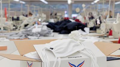 Der schwäbische Bekleidungshersteller Trigema näht nun Mundschutzmasken. Eine Unternehmerin aus Baden hält das für gefährlich.