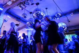 Dutzende Menschen tanzen zur Musik im Club Kantine in Ravensburg.