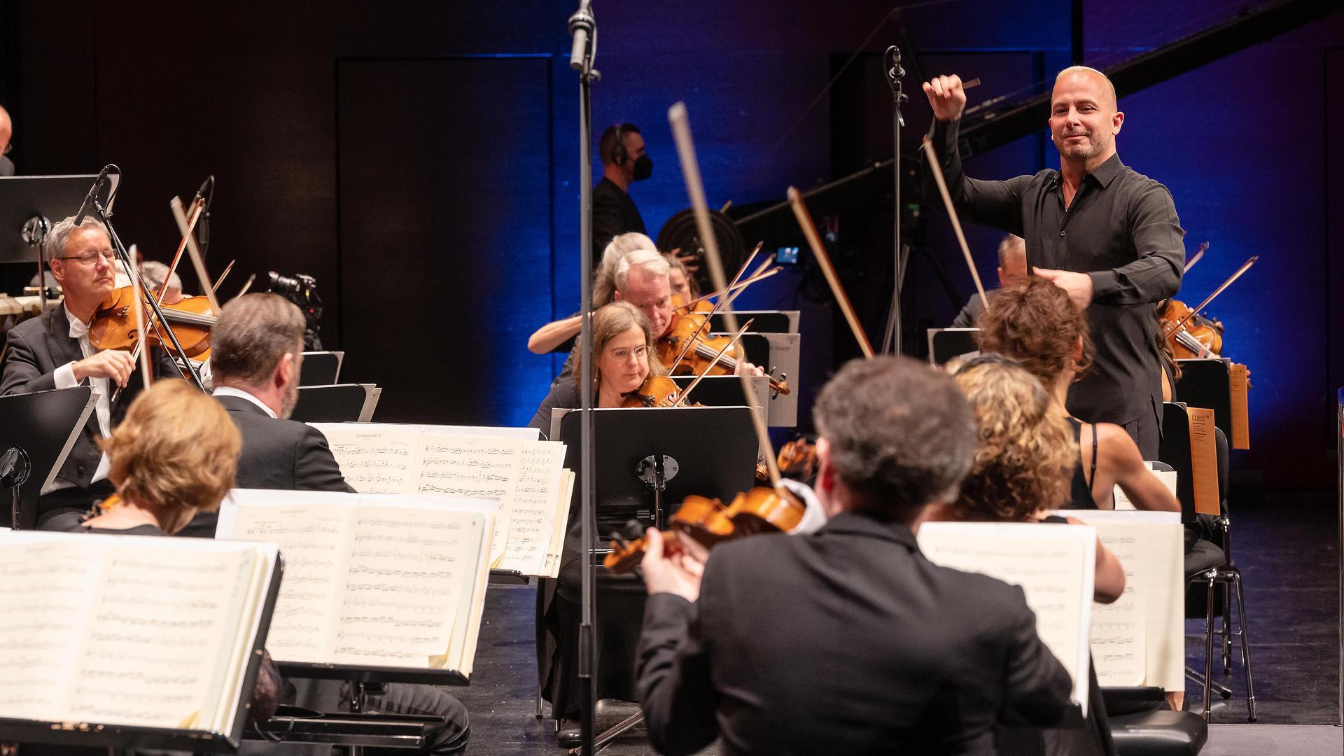 Gelungener Neustart im Festspielhaus Baden-Baden: Yannick Nezet-Seguin präsentierte mit dem Chamber Orchestra of Europe am Freitagabend drei Beethoven-Sinfonien.