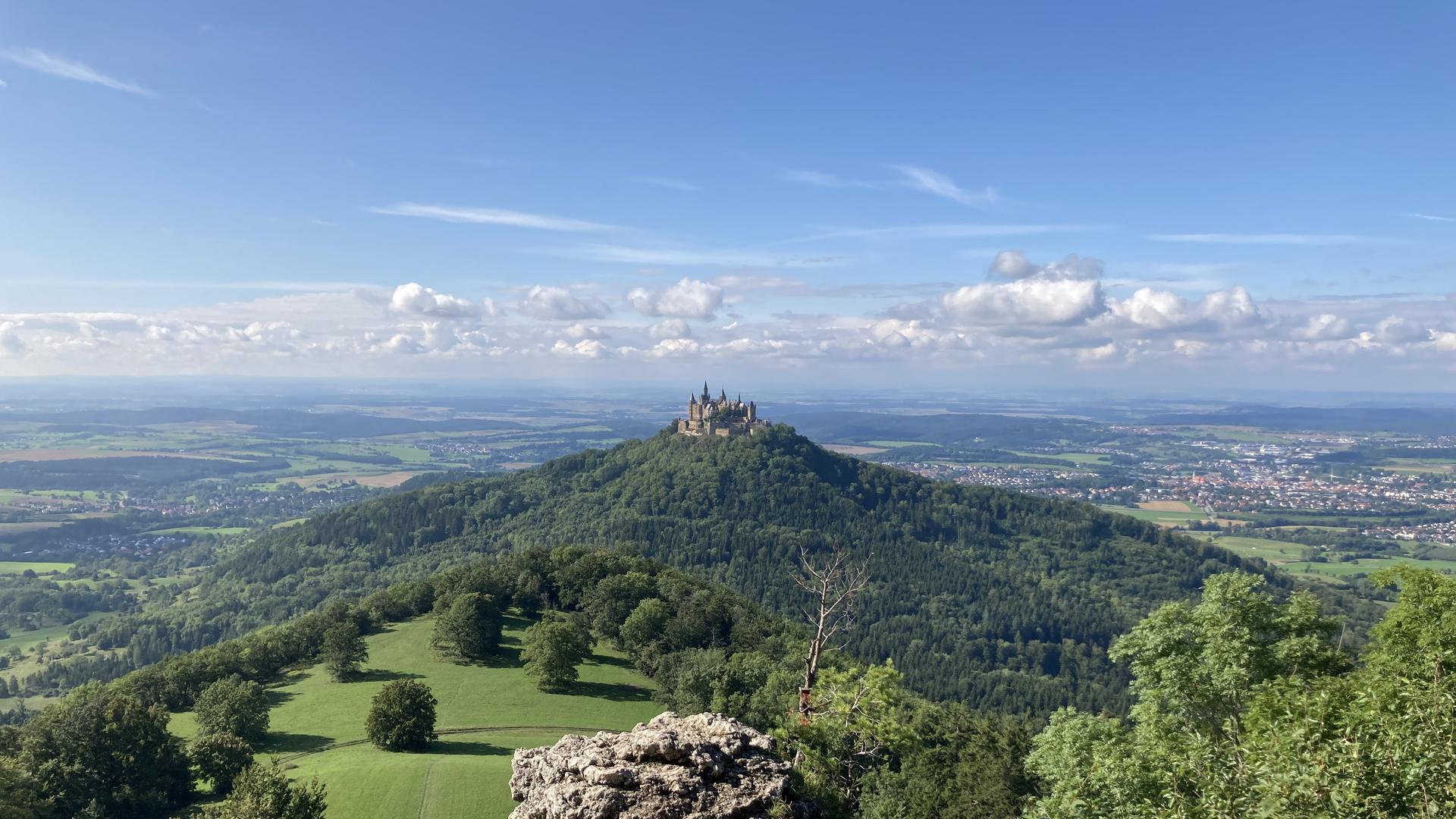 Burg auf einem Berg