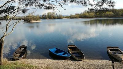 Zeitlos schön: An den Fermasee in Rheinstetten-Neuburgweier im Landkreis Karlsruhe kommen vor allem Besucher, die beim Baden ein landschaftliches Erlebnis suchen sowie auf Trubel verzichten können.