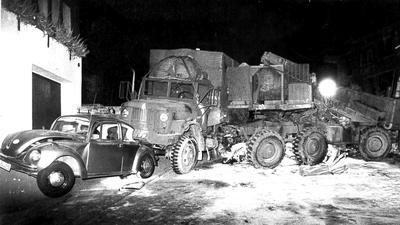 Brisante Last: Der Lkw der US-Streitkräfte, der 1982 in Waldprechtsweier verunglückte, transportierte eine Pershing-Rakete. Wegen der unklaren Gefahrenlage, mussten alle Einwohner ihre Häuser verlassen.