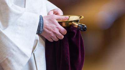 Kirchengemeinden verwenden gespendetes Geld auch für wohltätige Zwecke. Im Fall aus Hockenheim soll einer bedürftigen Person geholfen worden sein, wohl aber ohne Kenntnis des Stiftungsrates.