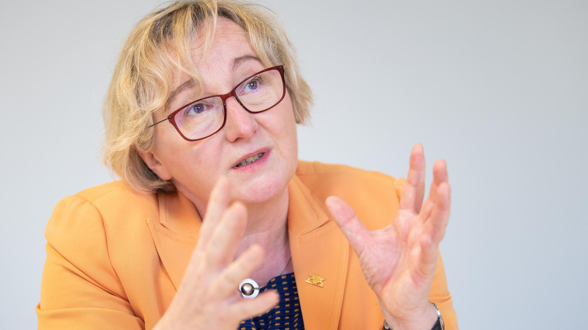 Lernen vor Ort: Laut Wissenschaftsministerin Theresia Bauer ist es nun wichtig, mit Nachdruck zur Präsenz an den Hochschulen zurückzukehren.