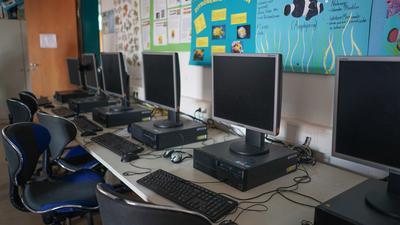 Welche Software läuft künftig auf den Computern? Der Einsatz der Microsoft-Programme an den Schulen in Baden-Württemberg ist nicht unumstritten.