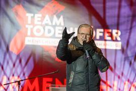 """Tritt bei der Bundestagswahl an: Jürgen Todenhöfer, ehemaliger CDU-Abgeordneter, hat im November vor dem Brandenburger Tor die Gründung der Partei """"Team Todenhöfer"""" verkündet."""