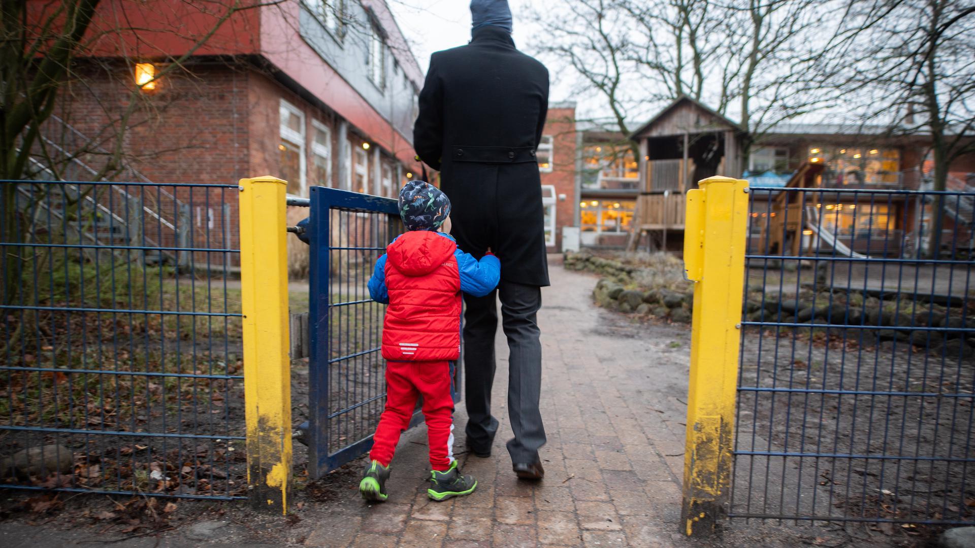 Handeln ist gefragt: Verschiedene Elternverbände fordern mehr Engagement im Kampf gegen den Fachkräftemangel.