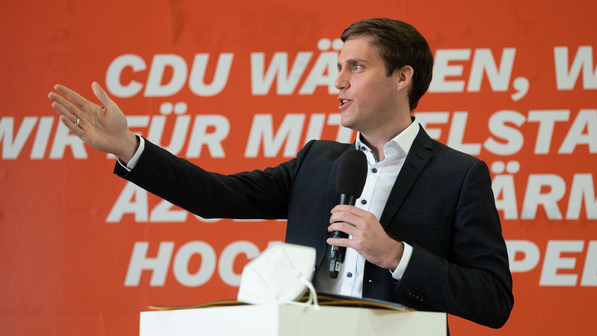 Manuel Hagel, Generalsekretär der baden-württembergischen CDU, nimmt an der Präsentation der Landtagwahlkampagne der baden-württembergische CDU mit Spitzenkandidatin Eisenmann teil. +++ dpa-Bildfunk +++