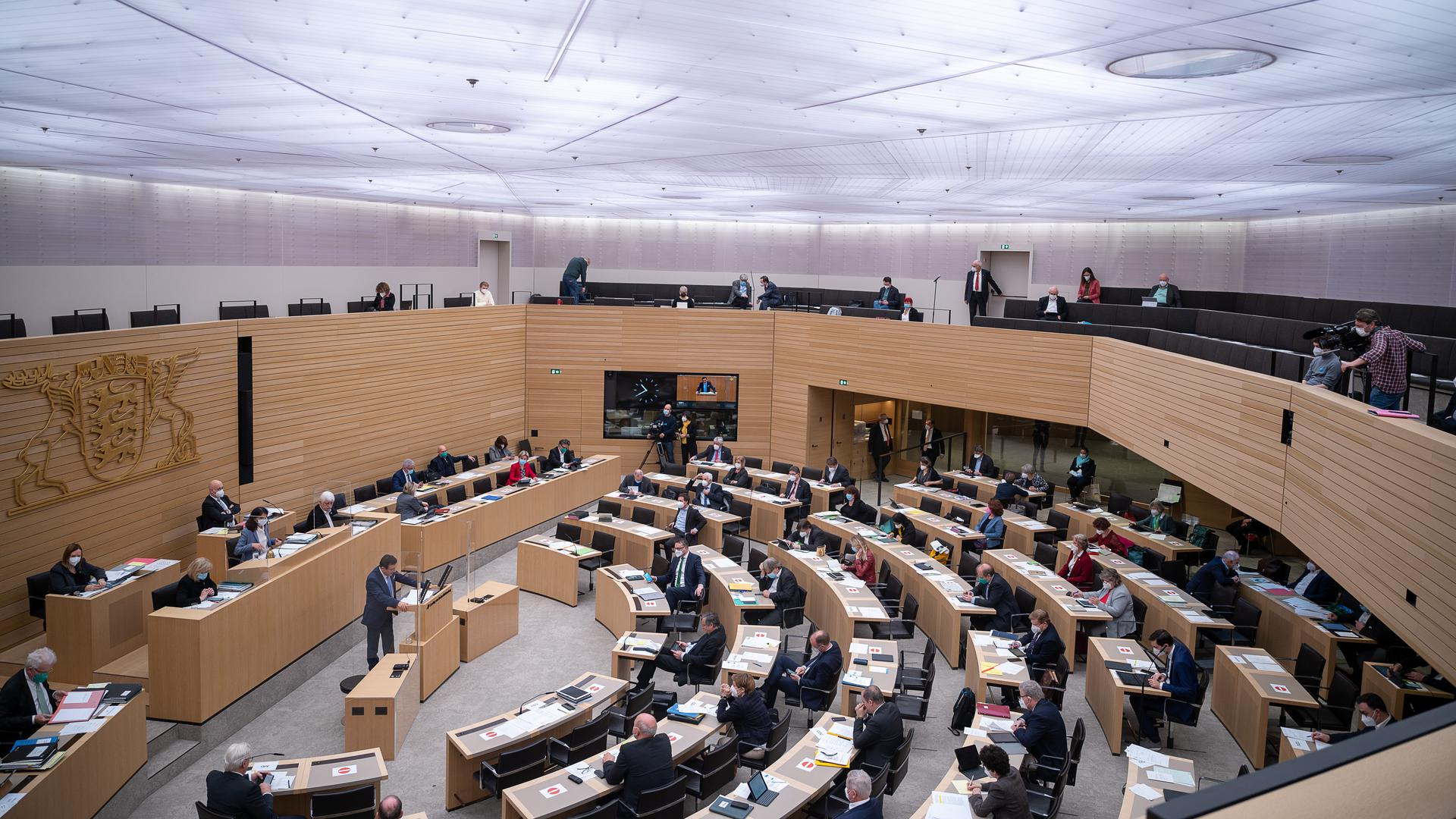 Abgeordnete bei einer Sitzung des  Landtages von Baden-Württemberg.