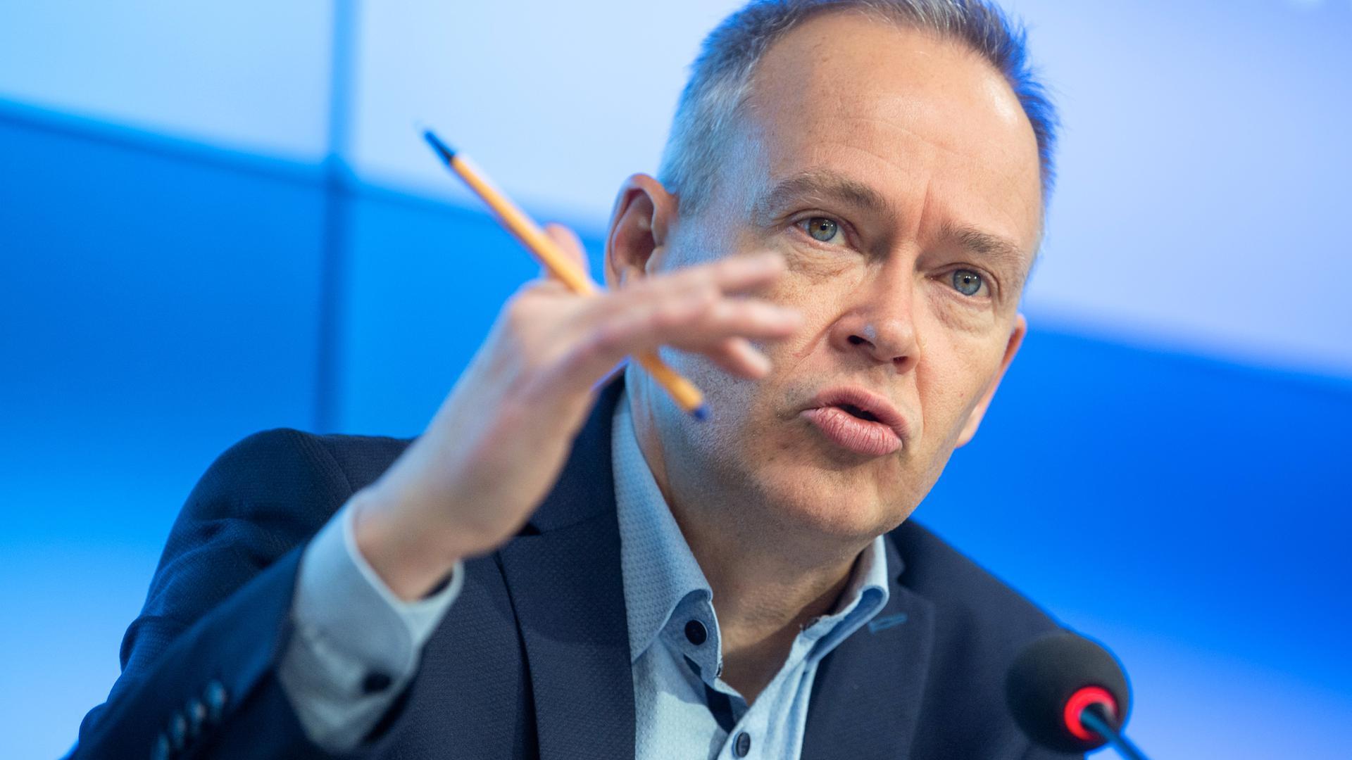 """Grundrecht: Stefan Brink, Baden-Württembergs Landesbeauftragter für Datenschutz und Informationsfreiheit, will verhindern, dass der Datenschutz """"untergepflügt"""" wird."""