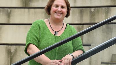 Theresa Schopper (Bündnis 90 / Die Grünen), steht vor dem Landtag von Baden-Württemberg. Sie soll neue Kultusministerin von Baden-Württemberg werden. (zu dpa: «Grüne Regierungsseite steht und wird Fraktion vorgestellt») +++ dpa-Bildfunk +++