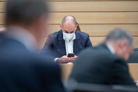 Danyal Bayaz (Bündnis 90/Die Grünen), Finanzminister von Baden-Württemberg, nimmt an einer Plenarsitzung im Landtag von Baden-Württemberg teil.