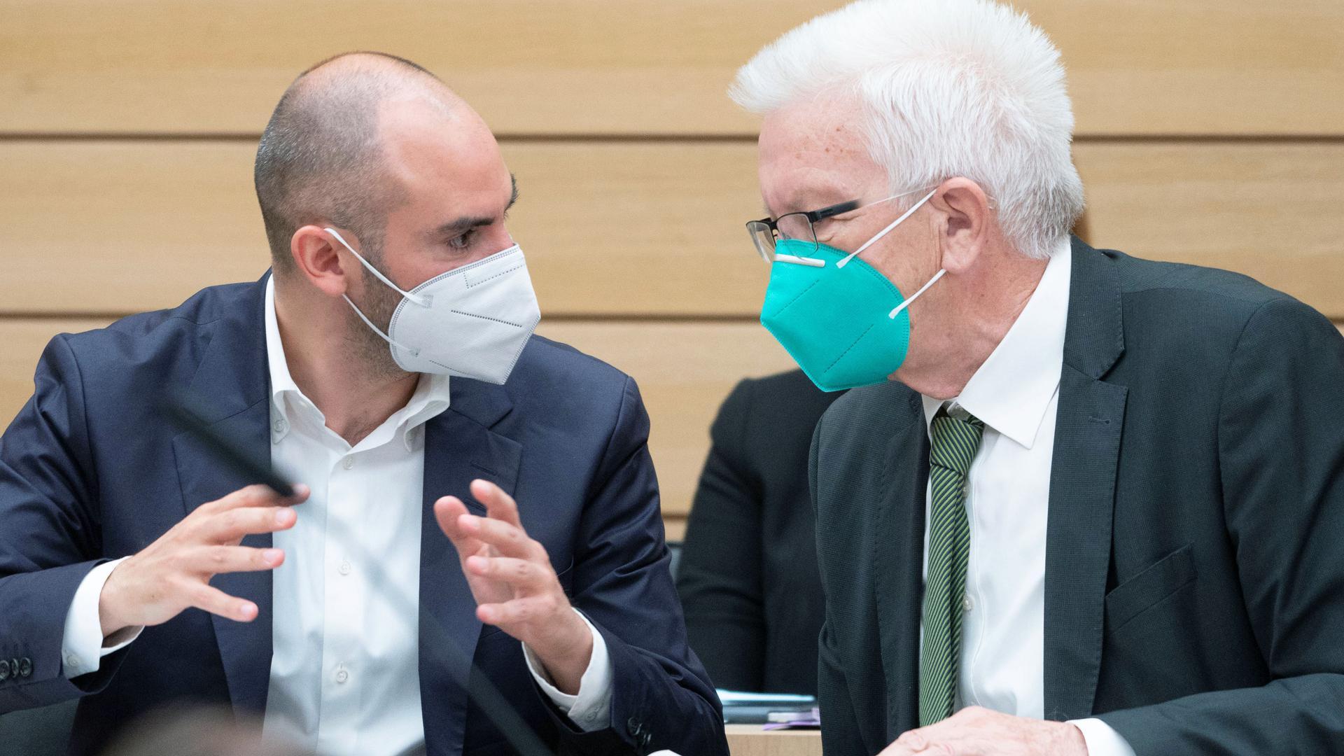Wie steht es um das Geld? Finanzminister Danyal Bayaz (links) und Ministerpräsident Winfried Kretschmann (beide Grüne) müssen den Haushalt im Blick behalten.