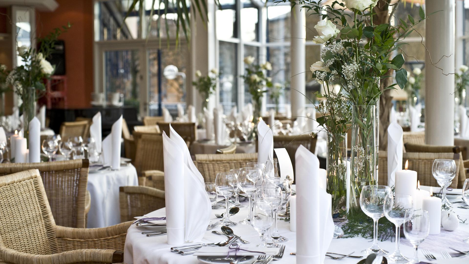 Parkhotel Pforzheim, Palmengarten, gedeckter Tisch SR 2017