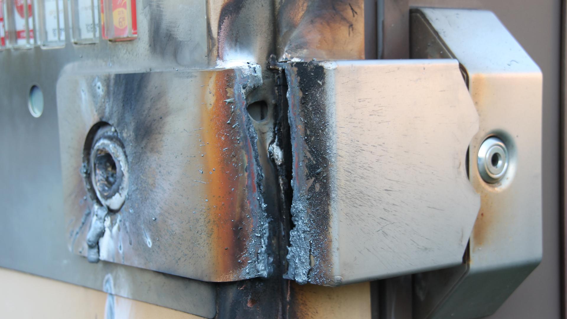 Zigarettenautomat Thermolanze Aufbruch