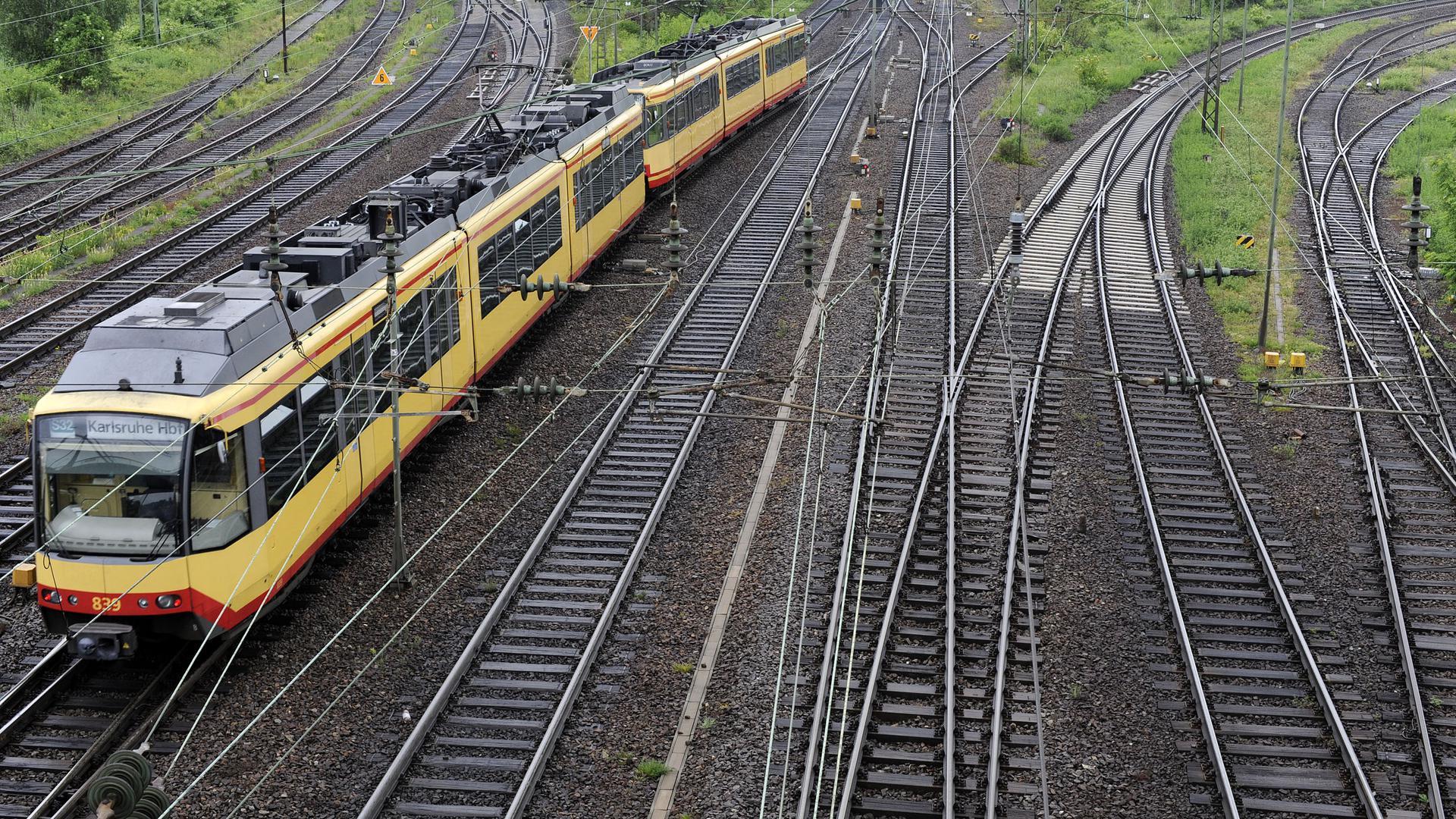 Bruchsal, DEU, 15.05.2009: Eine neue Software soll es der AVG ermöglichen, sämtliche Daten zur Verkehrsinfrastruktur zentral zu verwalten  15.05.2009 FOTO: Gustavo ALABISO