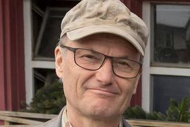 """Schauspieler Peter Schell spielt seit dem Jahr 1994 in der TV-Serie """"Die Fallers"""" den Bauern Karl."""