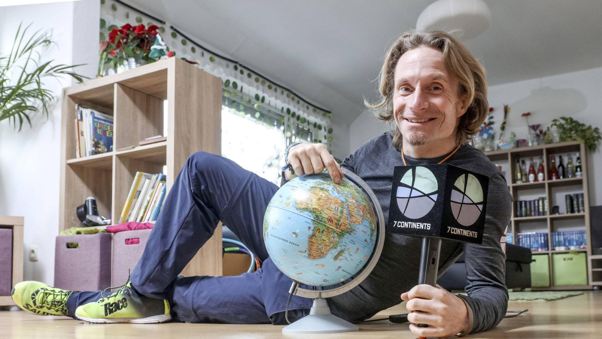 Der Waldbronner Norman Bücher will sein Weltprojekt nicht aus den Augen verlieren und trotz Corona-Krise auf sieben Kontinenten tausende Kilometer zurücklegen, dabei Stimmen von jungen Menschen einholen.