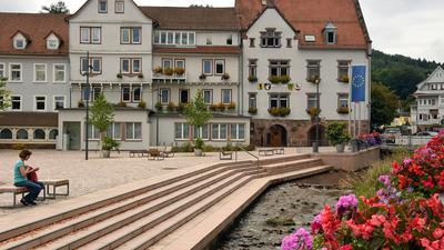 Bad Herrenalb Rathausplatz neu gestaltet 2017