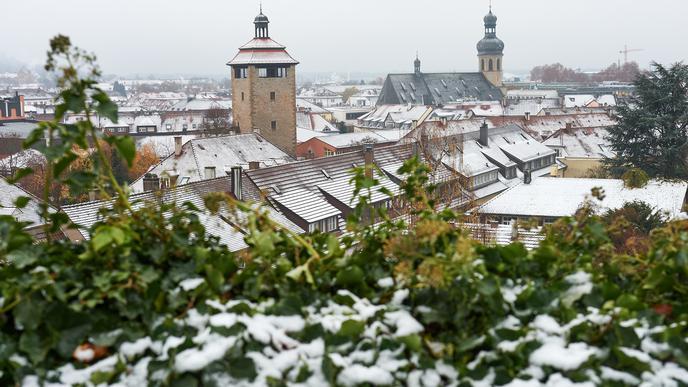 Weiße Dächer: Bruchsal zeigt sich nach dem ersten Schnee von seiner winterlichen Seite.