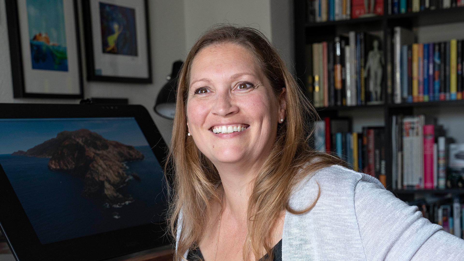 Mit Leidenschaft und einem Stift in den Fingern: Tanja Krampfert kreiert am heimischen Rechner Figuren, die dann in Animationen gezeigt werden.
