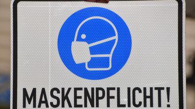 Maskenpflicht-Schild