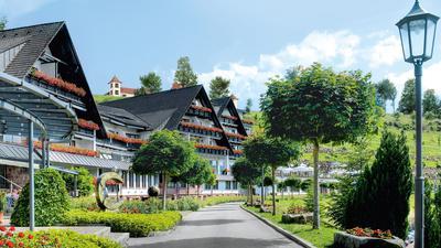 Front des Fünf-Sterne-Hotels Dollenberg