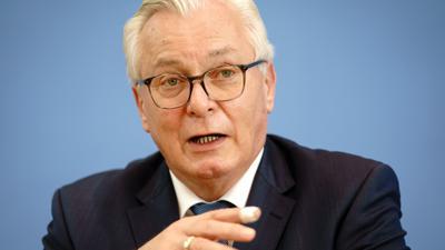 Bernd Gögel, MdL, AfD-Spitzenkandidat von Baden-Württemberg, gibt eine Pressekonferenz nach den Landtagswahlen in Baden-Württemberg und Rheinland-Pfalz. +++ dpa-Bildfunk +++