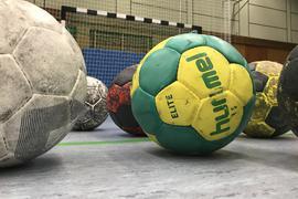 Was wird aus dem Hallensport, wenn die Sporthallen geschlossen werden? Manche Vereine befürchten, dass Spieler aufhören oder die Sportart wechseln.