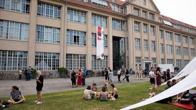 Die Hochschule für Gestaltung in Karlsruhe bietet jedes Jahr die Möglichkeit, den Studienalltag auf beeindruckende Weise bei einem Rundgang kennenzulernen.