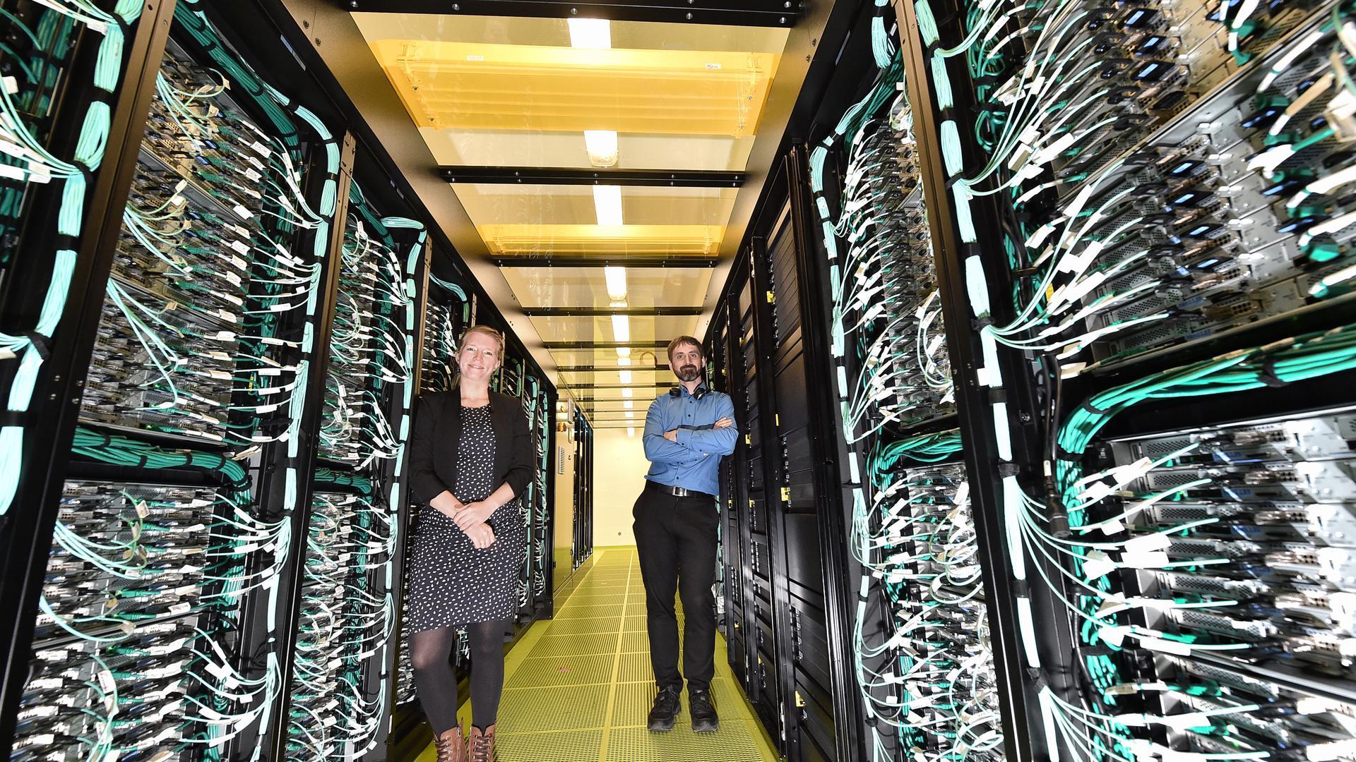 "06.05.2021 Termin im KIT Campus Nord: der ""HoreKa"" Supercomputer"