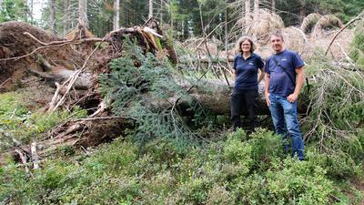 Die Nationalpark-Ökologen Marc Förschler und Stefanie Gärtner